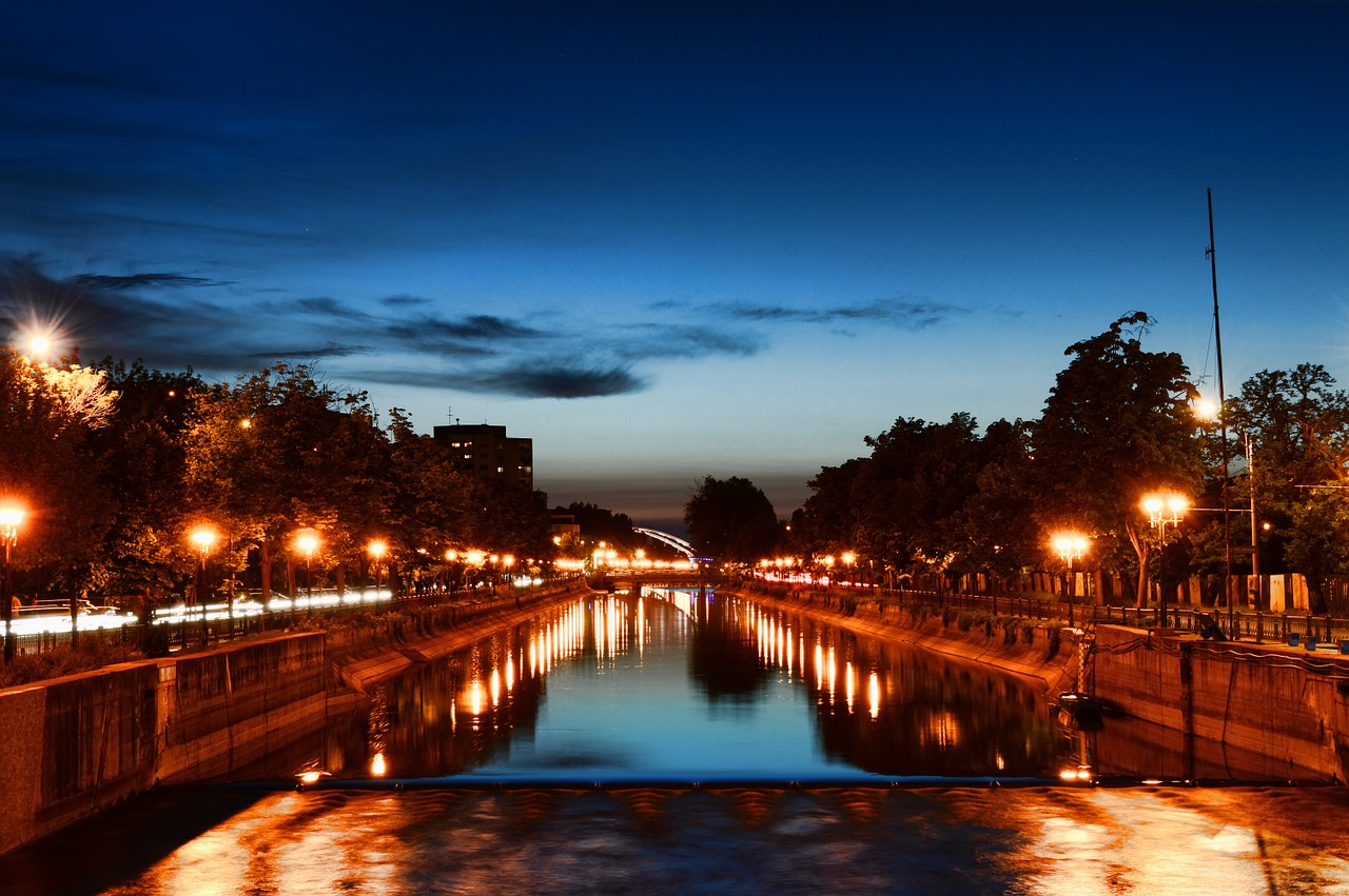 miasto-noca-w-rumuni
